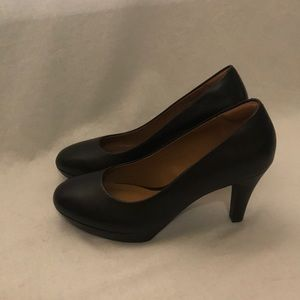 Clarks 100% Leather Black Pumps Womens 7.5